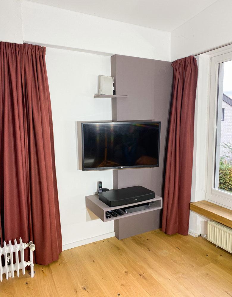 TV Wand aus Echtholz / Massivholz | Tischlerei Möbel, Custom Design