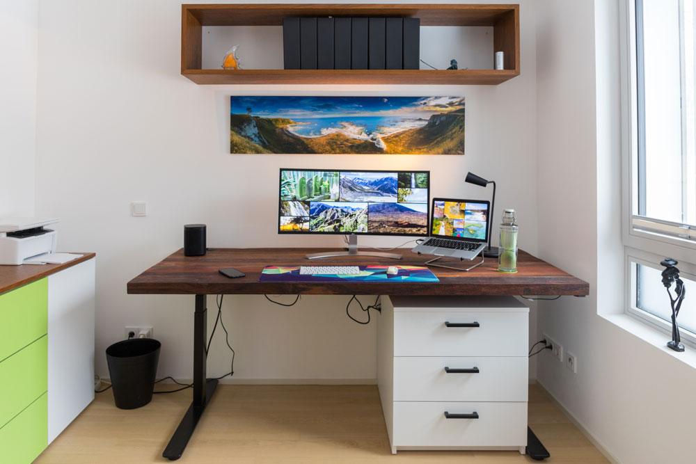 Schreibtisch verstellbar für Arbeitszimmer